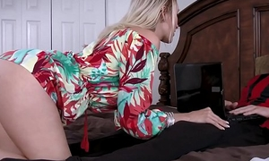 Best Pty cougar mom is starving be beneficial to my cock!